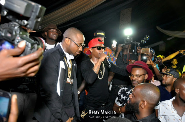 Wizkid and Davido performing together